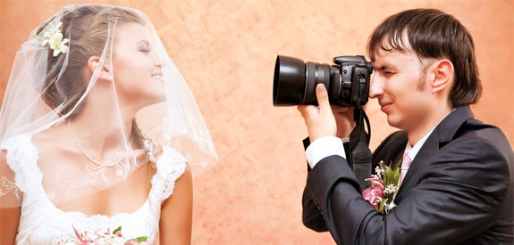 wedding-photographer-bride-camera